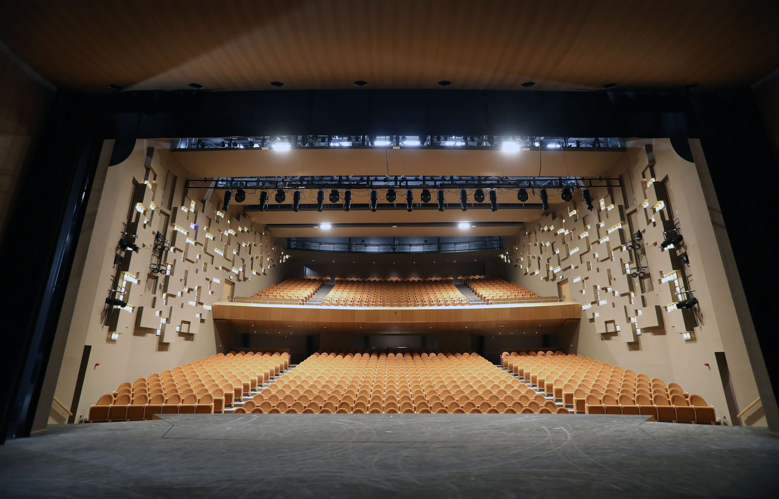 Η Ανώτερη Αρχιτέκτονας και Λειτουργός Πολεοδομίας στο Δήμο Λευκωσίας Αθηνά Παπαδοπού-λου μίλησε στο ΚΥΠΕ για το πλήρως ανακαινισμένο Δημοτικό Θέατρο Λευκωσίας, Σάββατο 8 Ιουνίου 2019. ΚΥΠΕ/ΚΑΤΙΑ ΧΡΙΣΤΟΔΟΥΛΟΥ